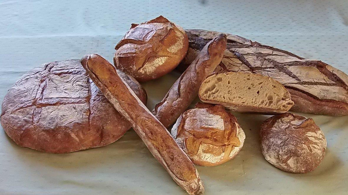 Pains sur levain fait par nos boulangers